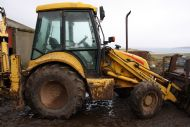 LB110 BACKHOE DIGGER